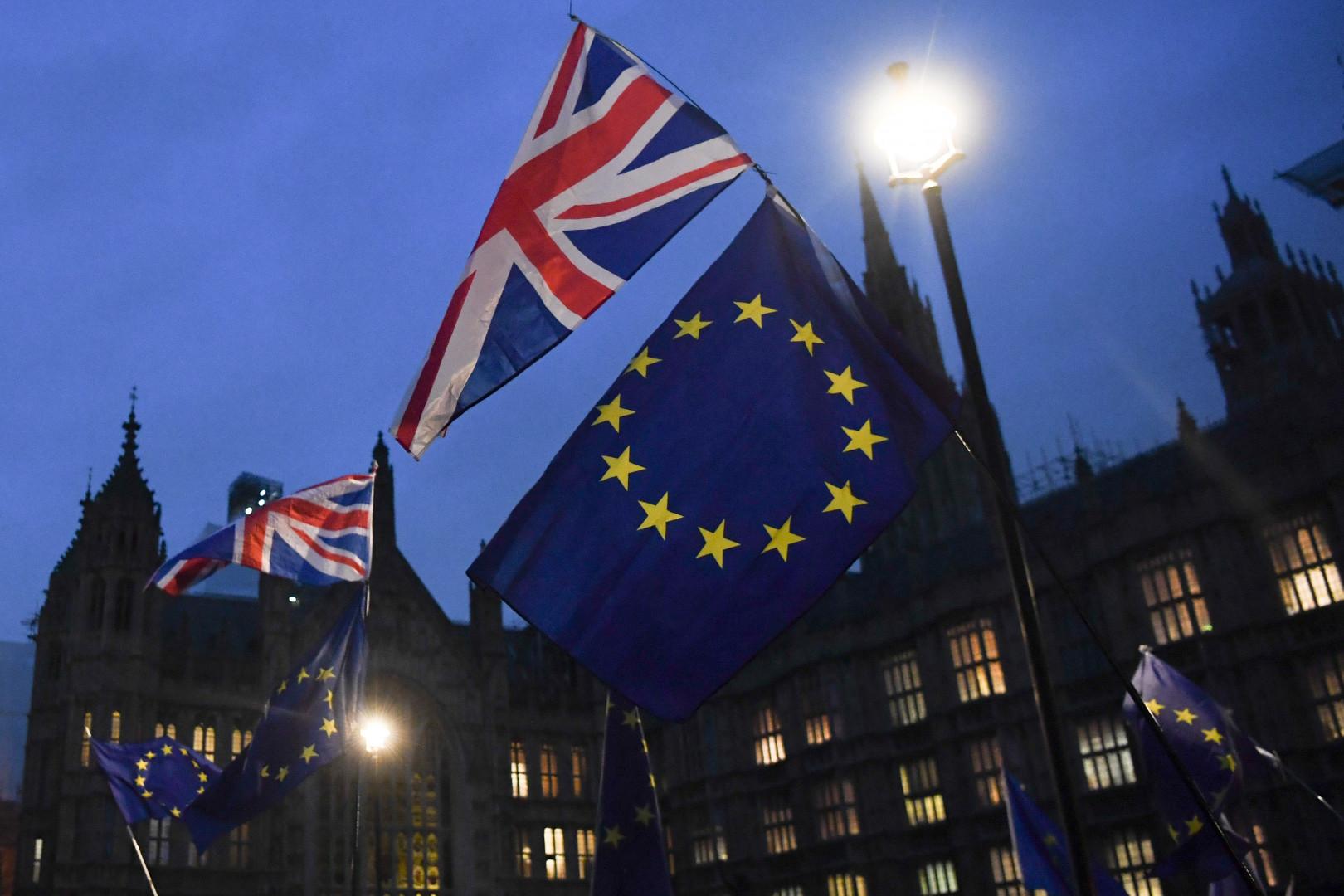 31 janvier 2020: le Brexit entre en vigueur à minuit. Une période de transition est prévue jusqu'au 31 décembre 2020.