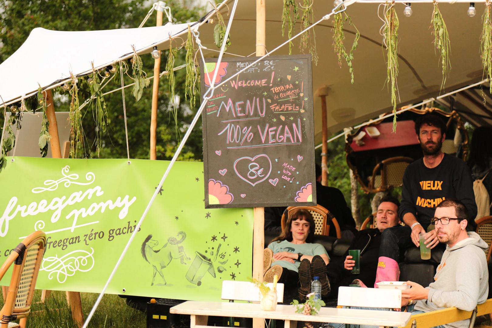 Côté nourriture, des menus 100% végétaliens étaient proposés