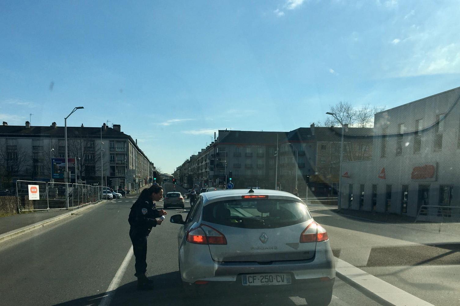 Contrôle des attestations à l'entrée de Saint-Nazaire