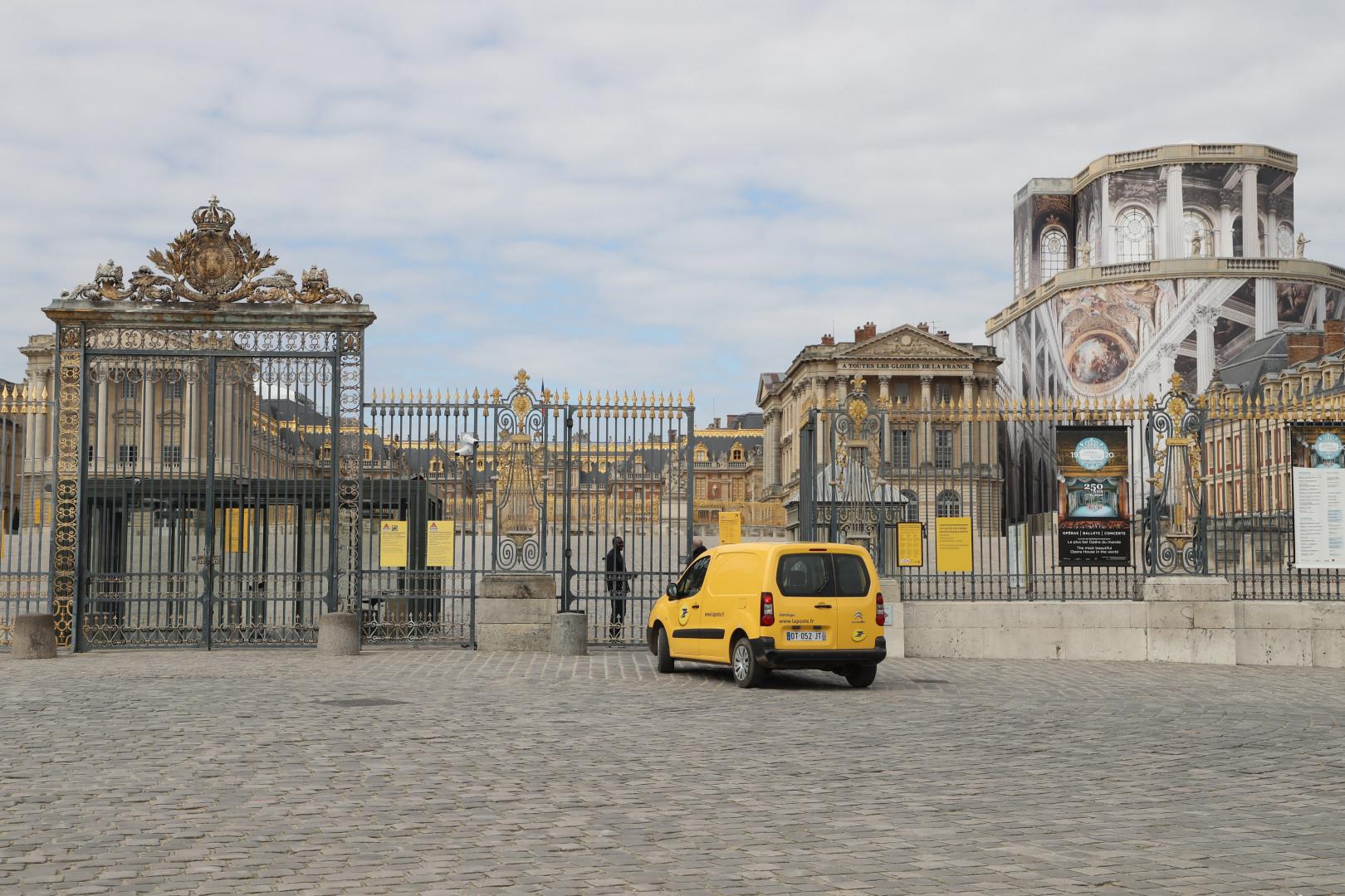 Le château de Versailles déserté le 18 mars 2020