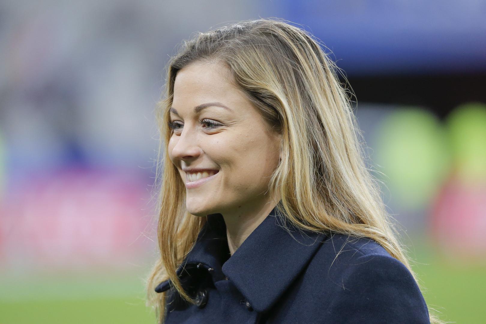 Laure Boulleau est joueuse de football pro au PSG. Suivez-la ici : Instagram / laureboulleauofficiel