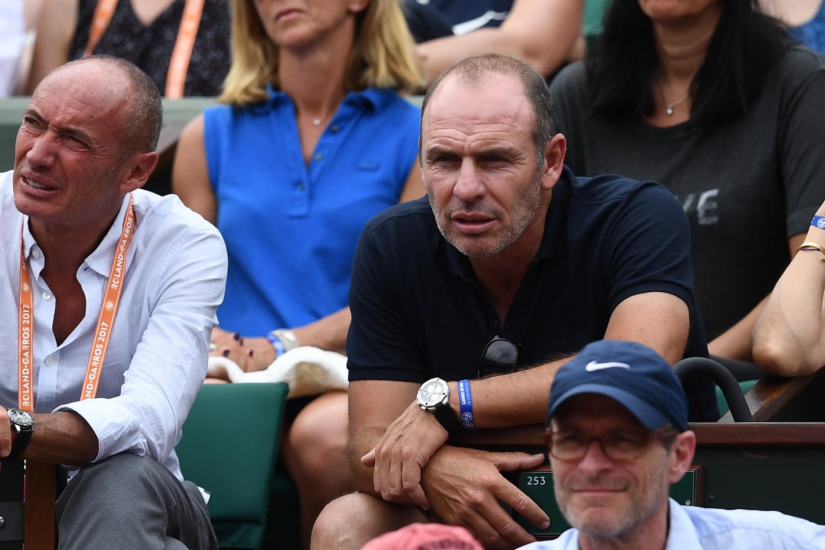 L'ancien footballeur français Alain Boghossian dans les tribunes de Roland-Garros
