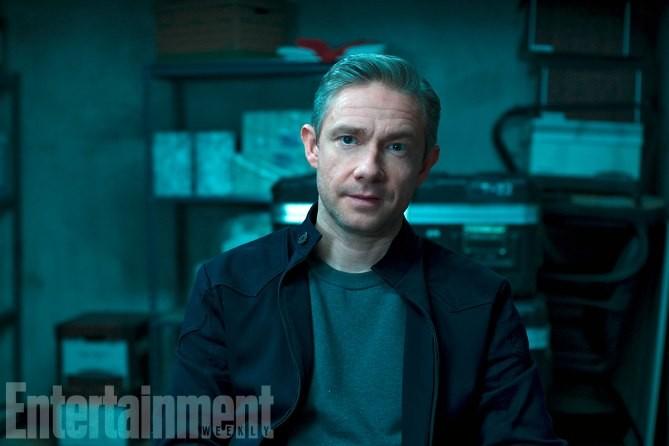 Everett K. Ross, joué par Martin Freeman, est un agent de la CIA