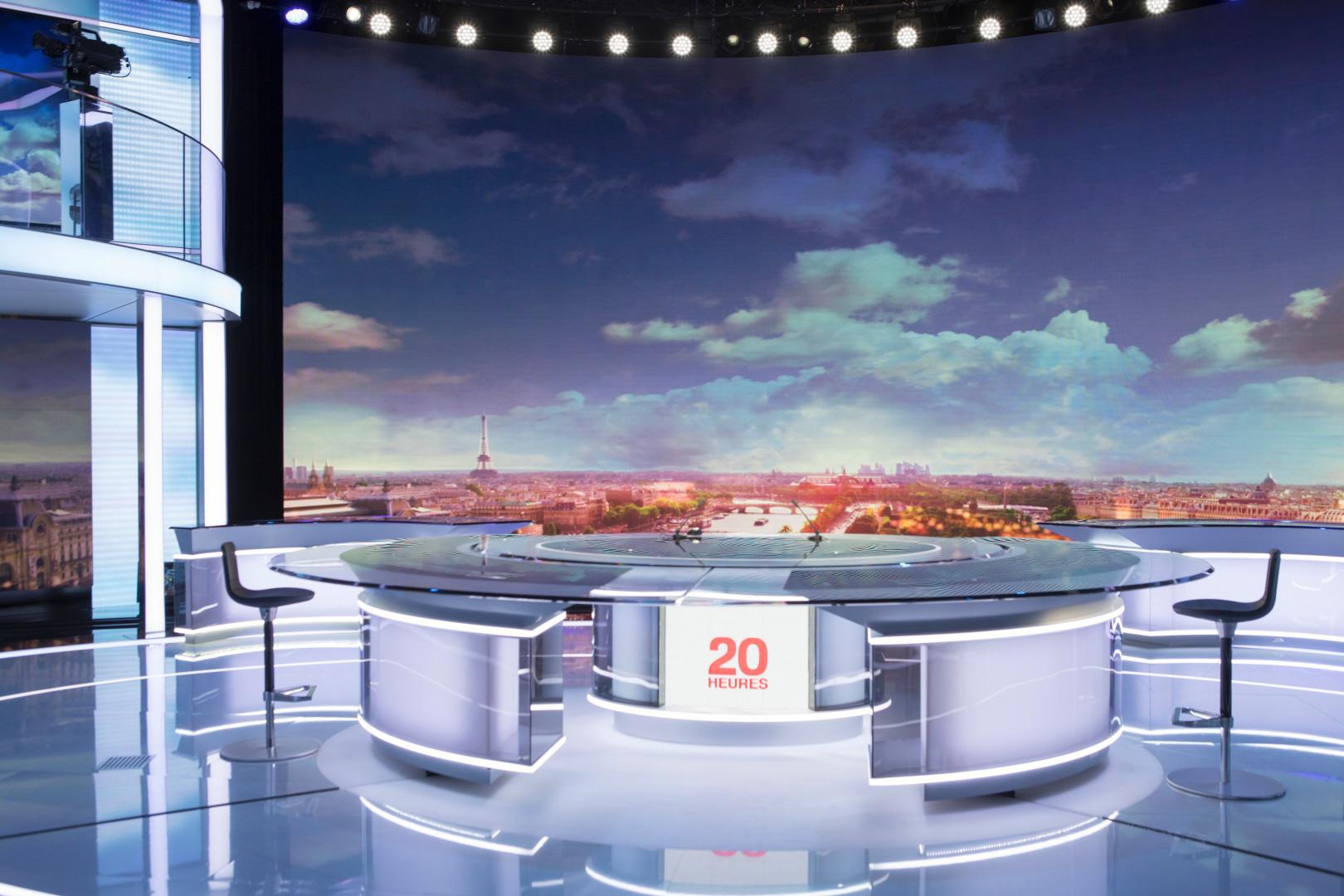 Le nouveau plateau du journal de 20 heures de France 2.