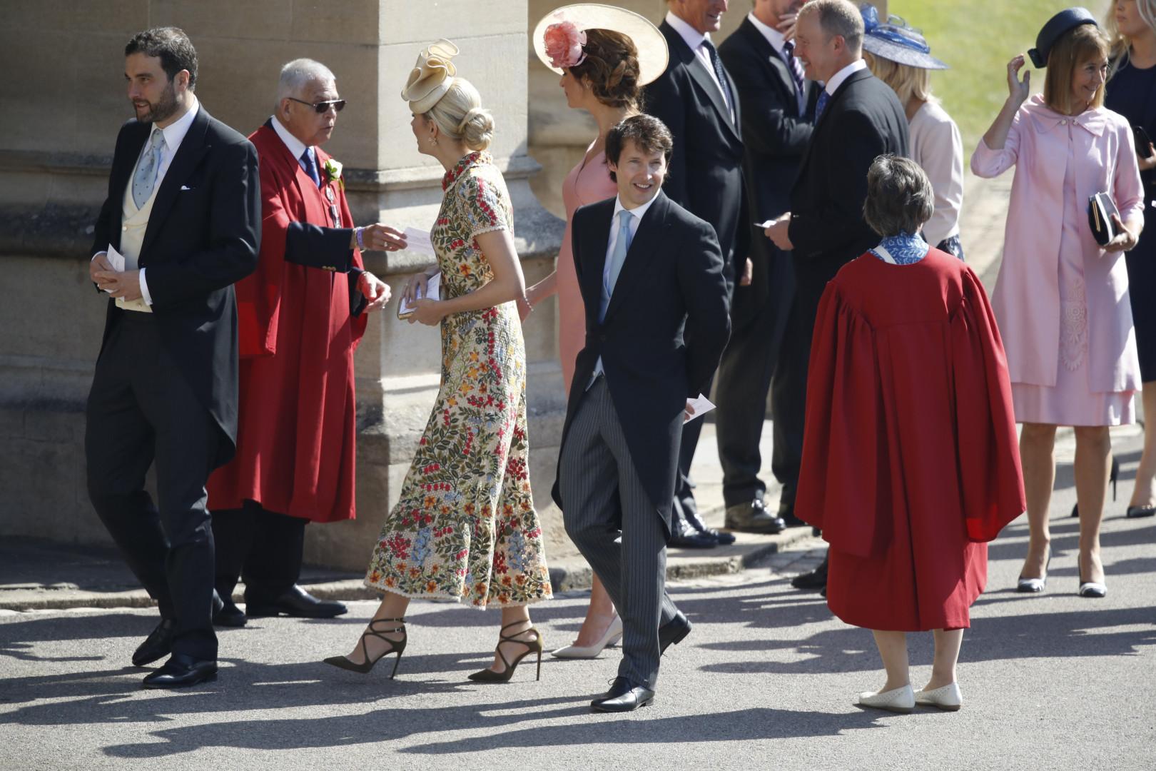 Le chanteur James Blunt et de nombreuses personnalités arrivent à la chapelle Saint-George