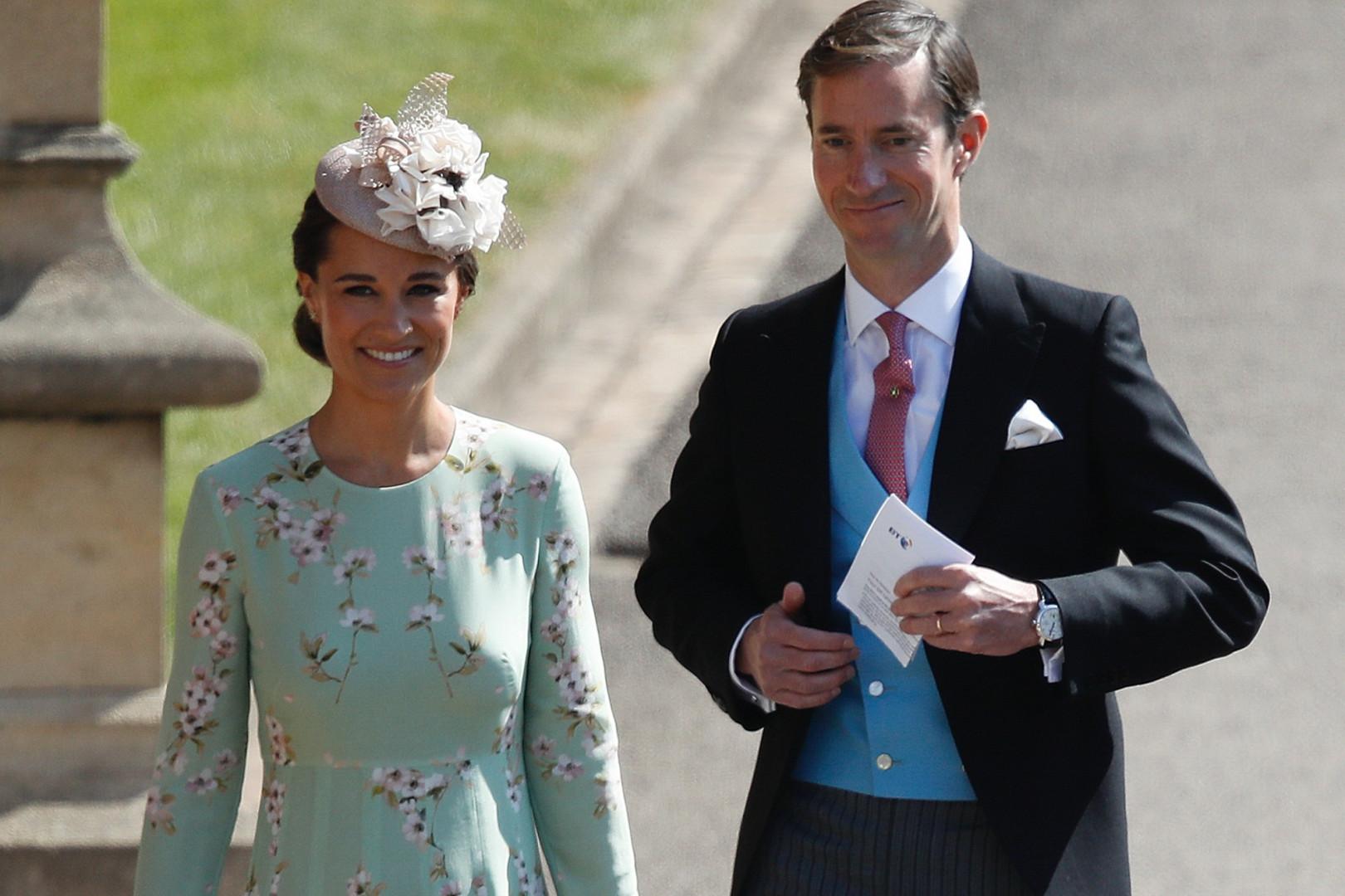 Pippa  Middleton et son époux James Matthiews arrivent à la cérémonie