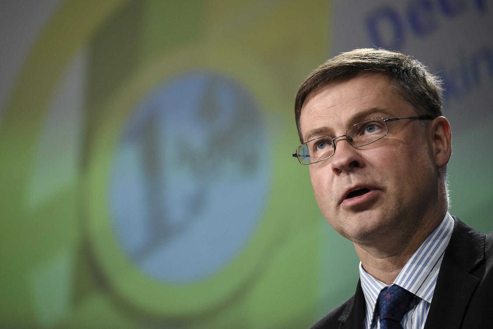 Le libéral-conservateur letton Valdis Dombrovskis est commissaire pour les services financiers