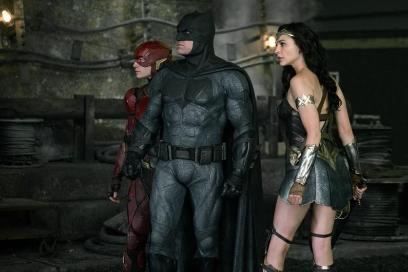 """Dans """"Justice League"""", le costume redevient une armure"""