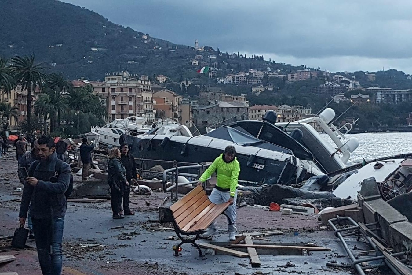 La tempête a fait des dégâts dans le port de Rapallo (Italie) mardi 30 octobre 2018