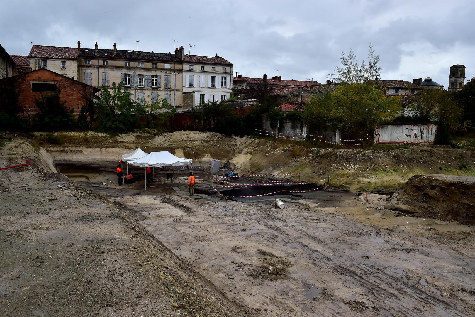 Les fouilles préventives ont lieu près de la gare d'Angoulême (Charente)