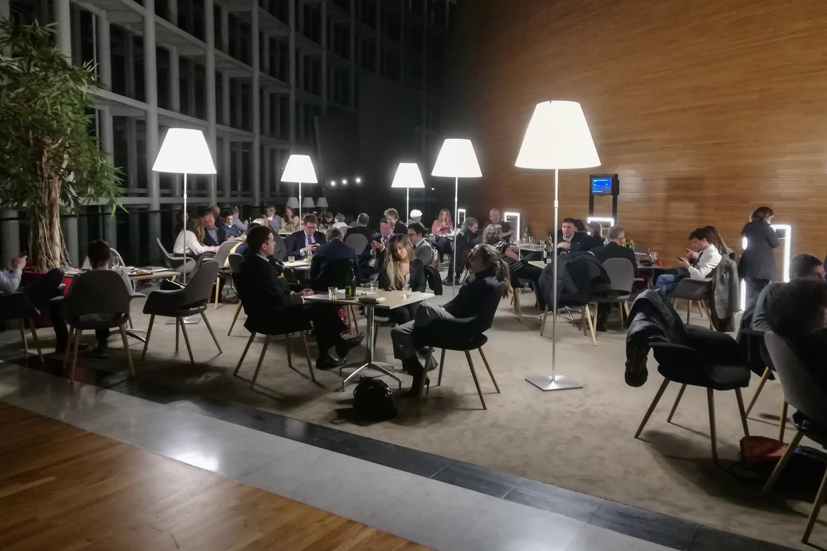 Au sein du Parlement européen, certains députés sont coincés avec leur équipe.