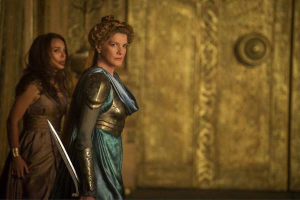 """La reine Frigga dans """"Thor 2 : Le Monde des Ténèbres"""""""
