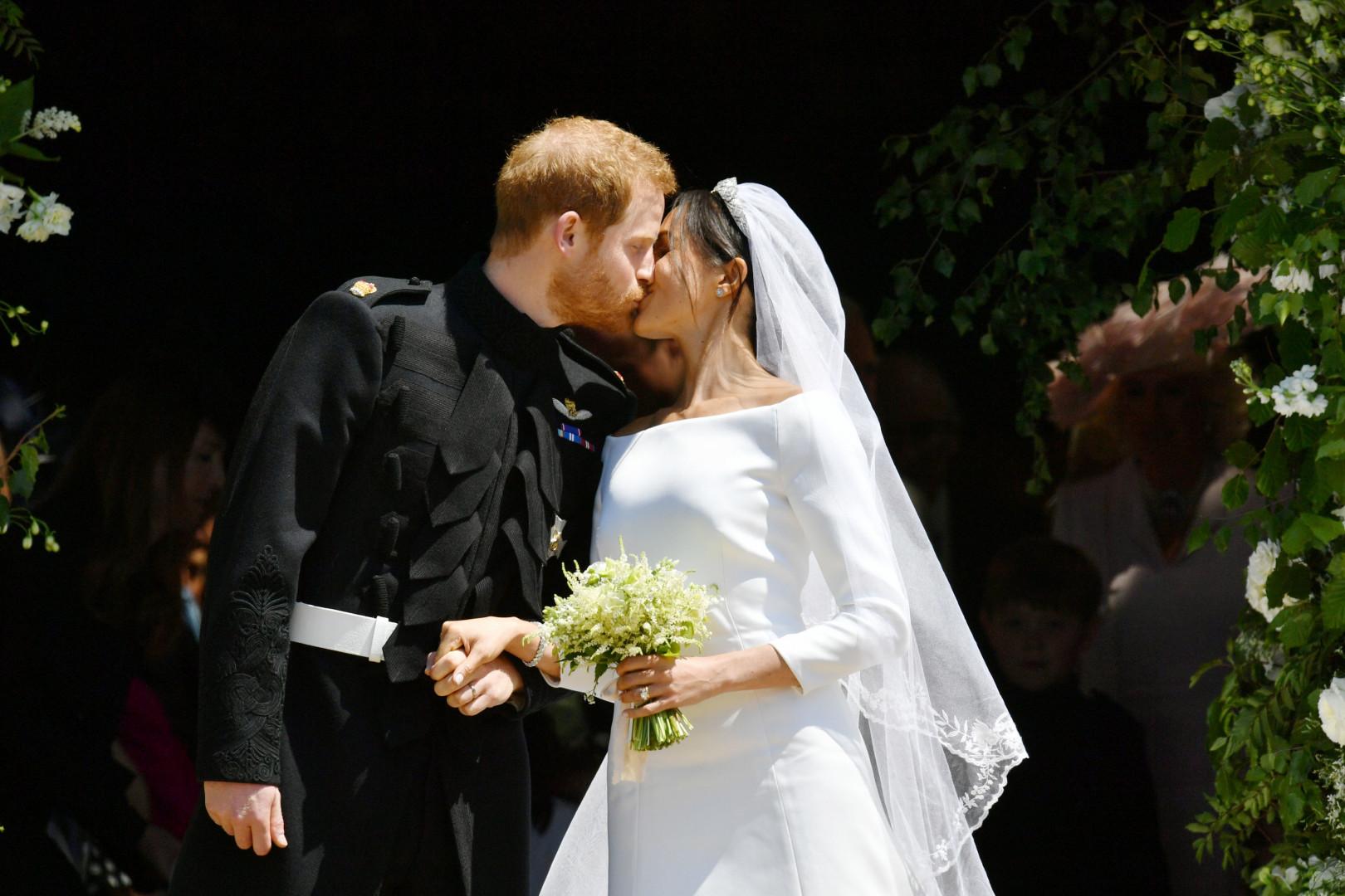 Le prince Harry et Meghan Markle sortant tout juste de l'abbaye, le 19 mai 2019