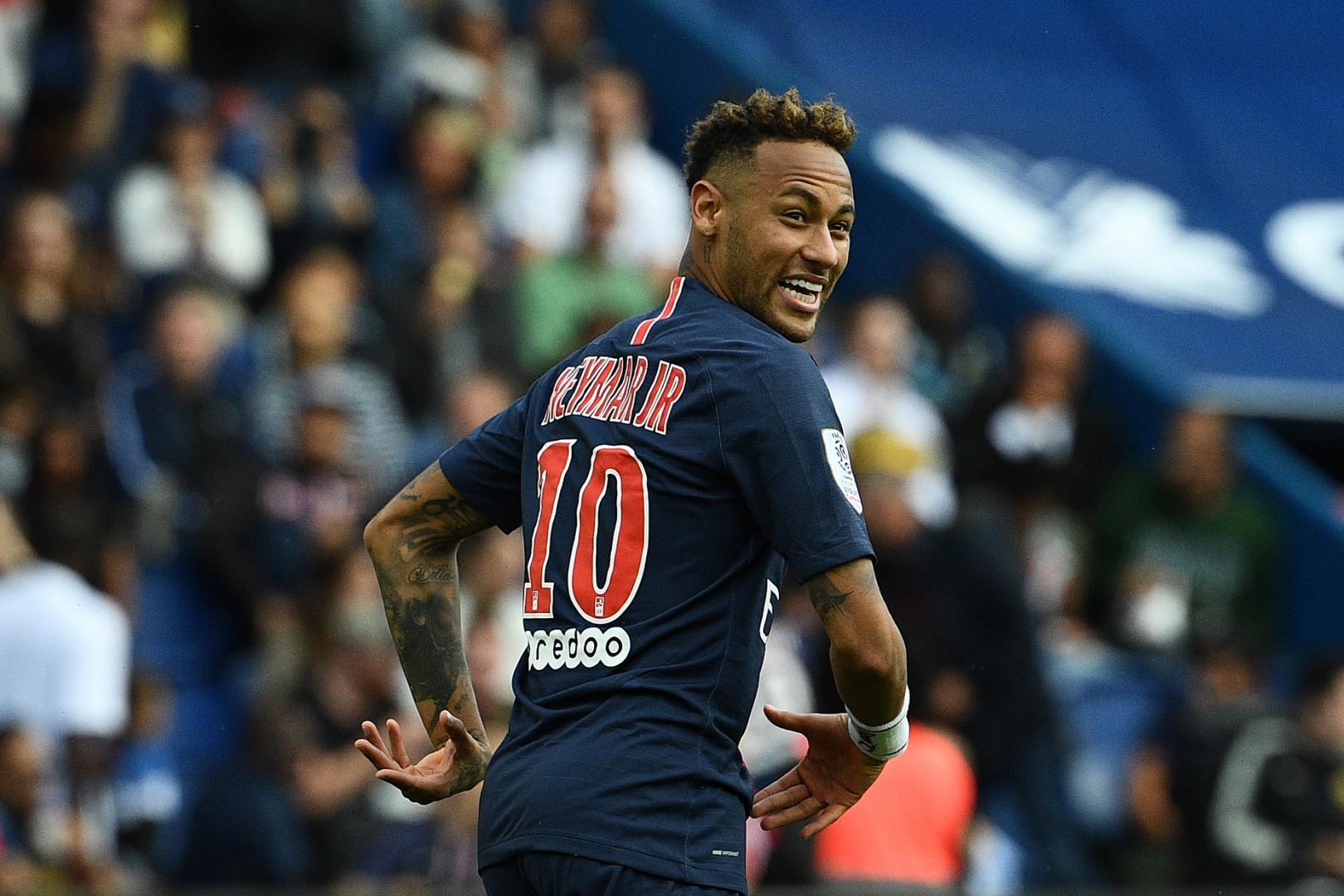 3. Neymar (Football) : 105 M $ soit 93 M €