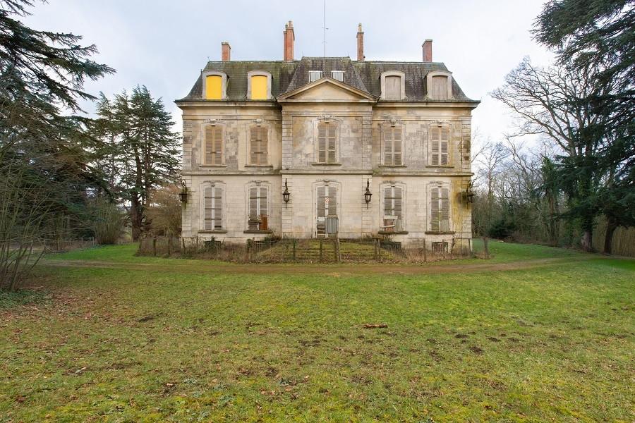 6. Château du Haut-Buisson à Cherré-Au (Sarthe)
