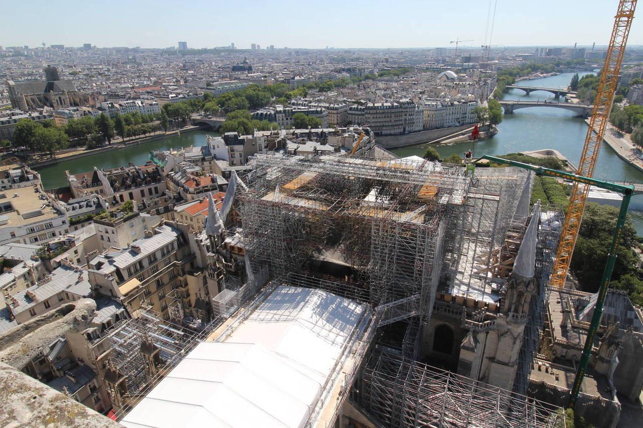 Les travaux de restauration de Notre-Dame vus d'en haut.