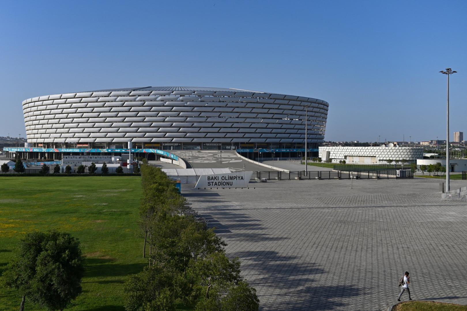 Le stade olympique de Bakou vu de l'extérieur en juin 2021