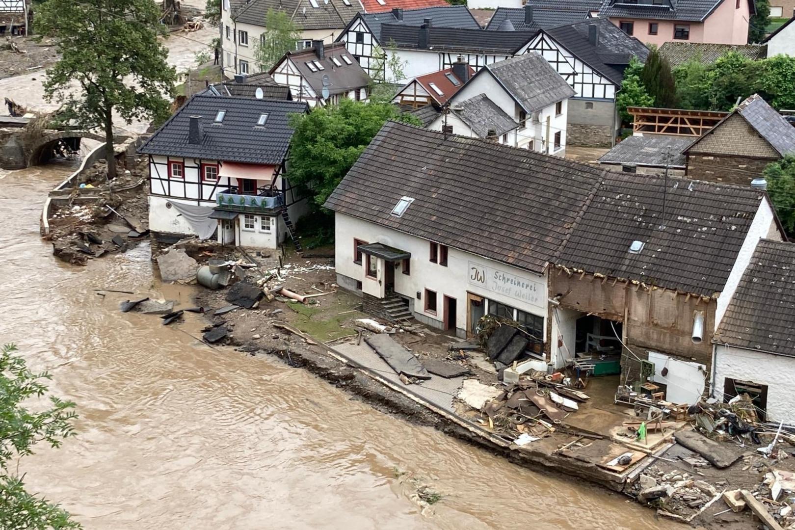 Suite aux intempéries qui ont dévasté l'ouest de l'Allemagne, le bilan humain est très lourd et fait état de 59 morts. Image de la ville de Schuld en Allemagne, au bord de l'Ahr, le jeudi 15 juillet 2021.