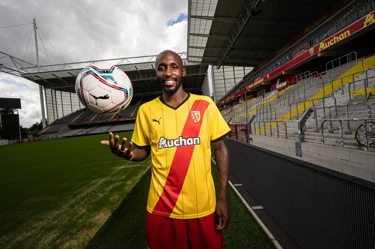 Le maillot domicile de Lens pour la saison 2021-2022