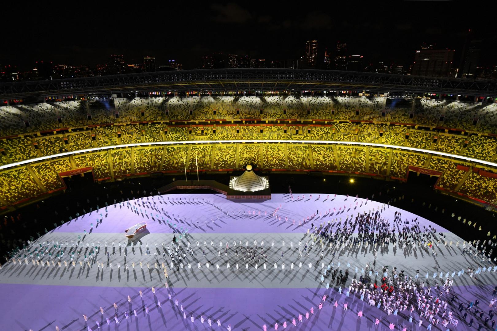 Le stade olympique durant le défilé des délégations