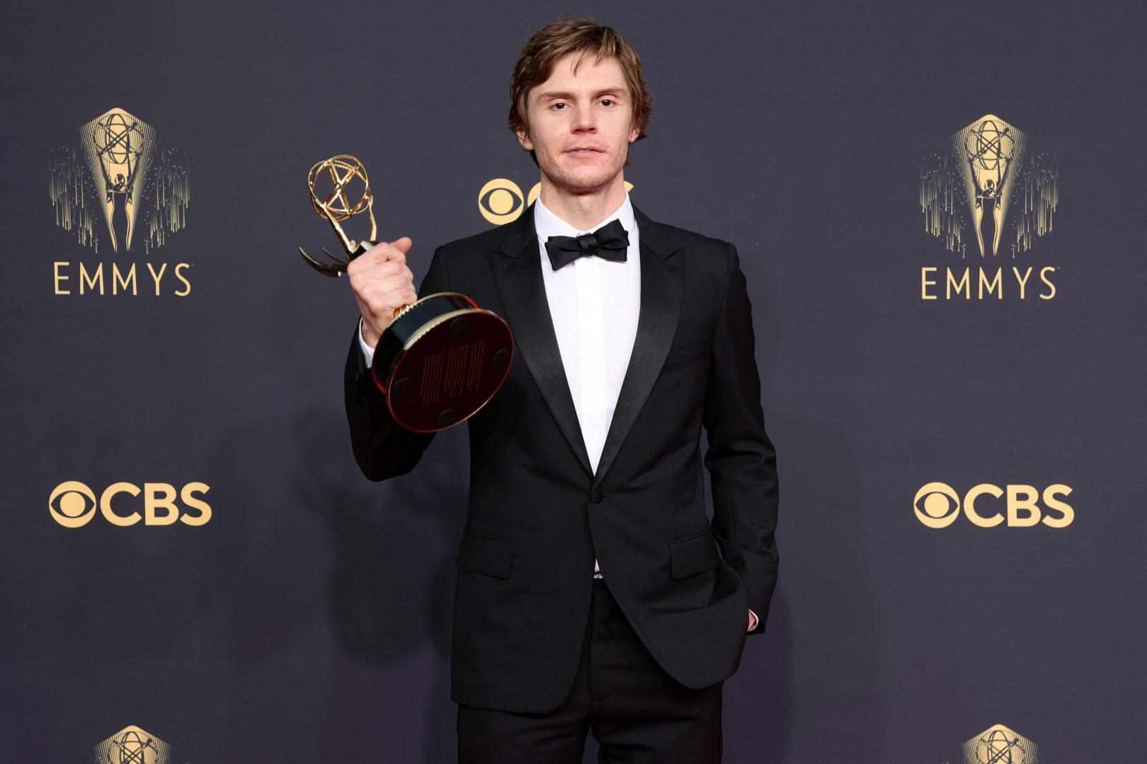 """Evan Peters récompensé pour son rôle dans """"Mare of Eastown"""""""
