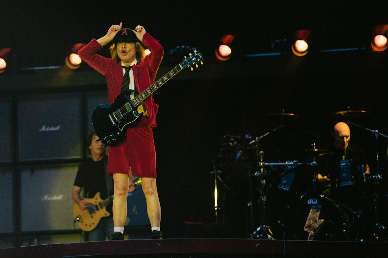 Angus Young et AC/DC étaient en concert au Stade de France les 23 et 26 mai 2015