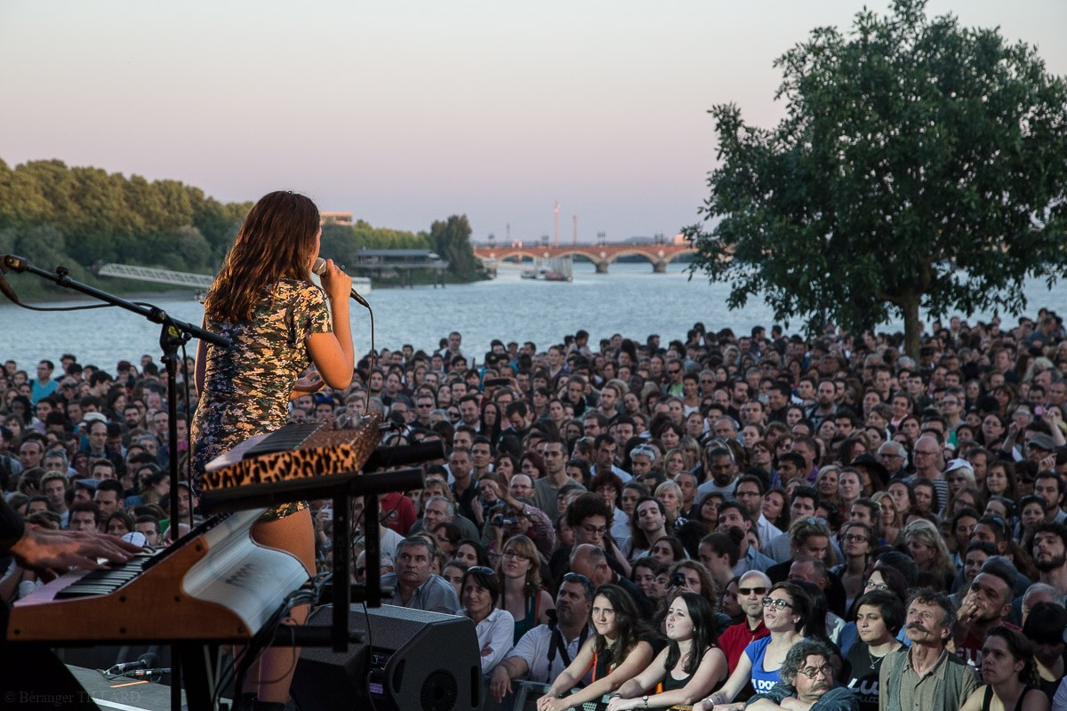 Izia à Bordeaux jeudi 28 mai 2015