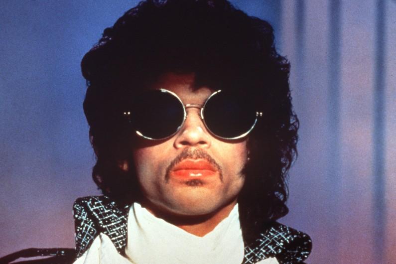 Prince lors d'une série de concerts à Paris en 1985