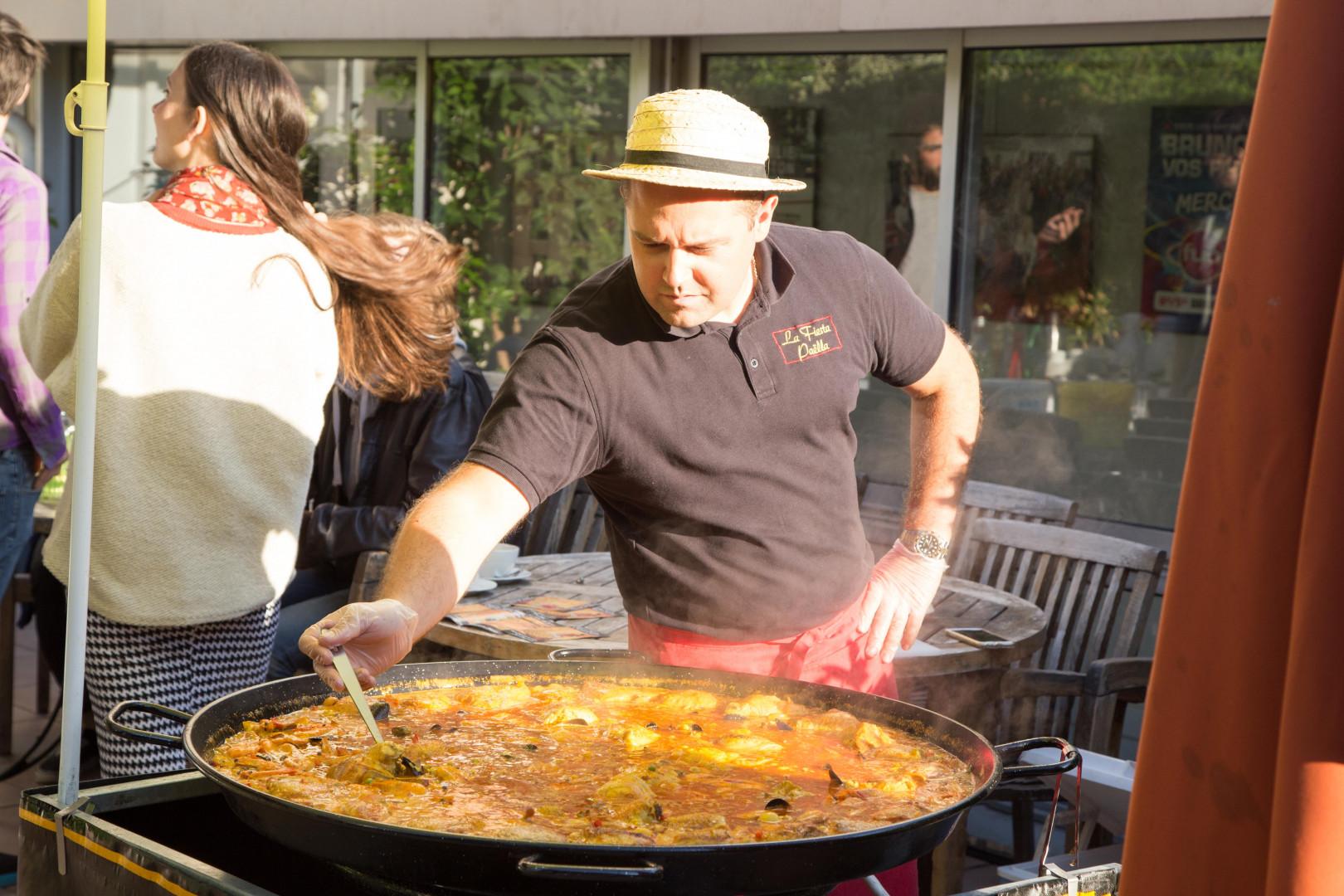 Une peu de paëlla avec Guillaume de la Fiesta Paella pour la dernière de la saison du Grand Morning