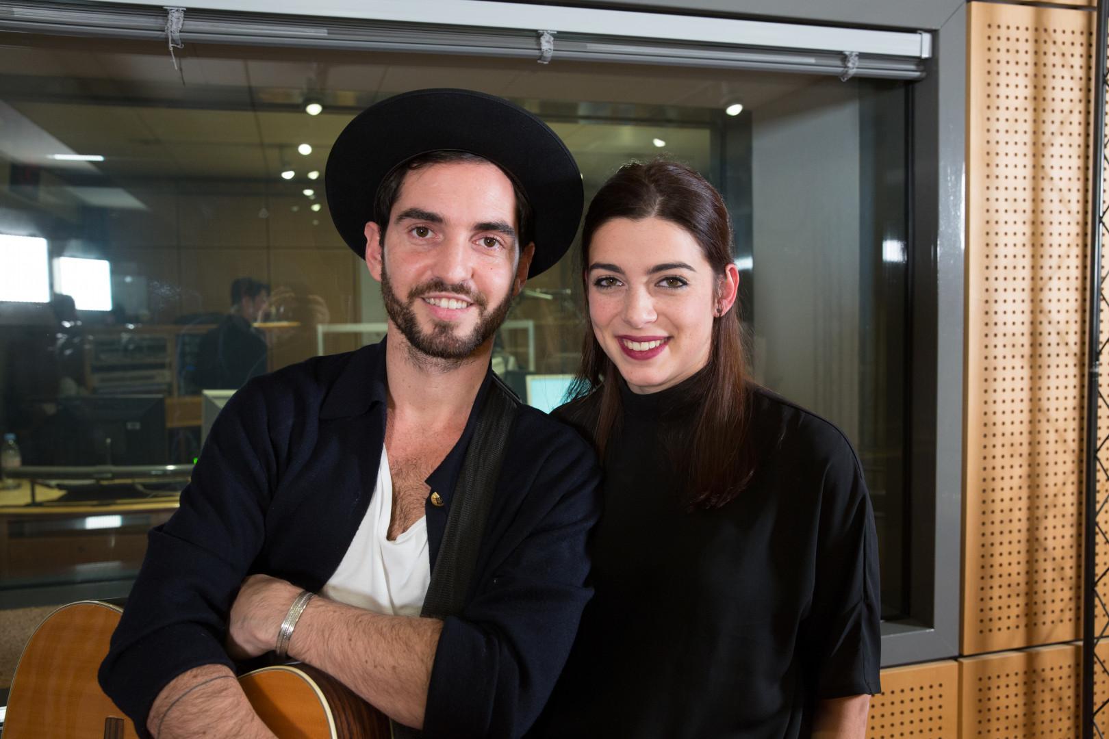 Léa Paci et Kévin dans les studios de RTL2