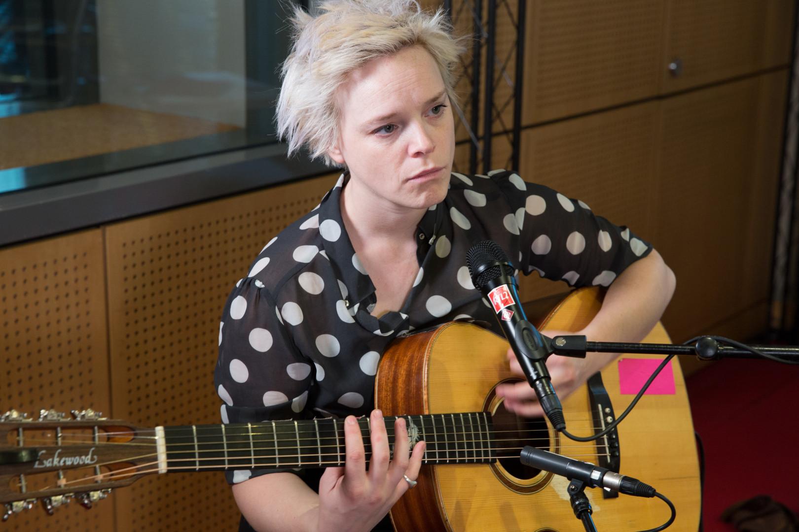Wallis Bird en session acoustique dans les studios de RTL2
