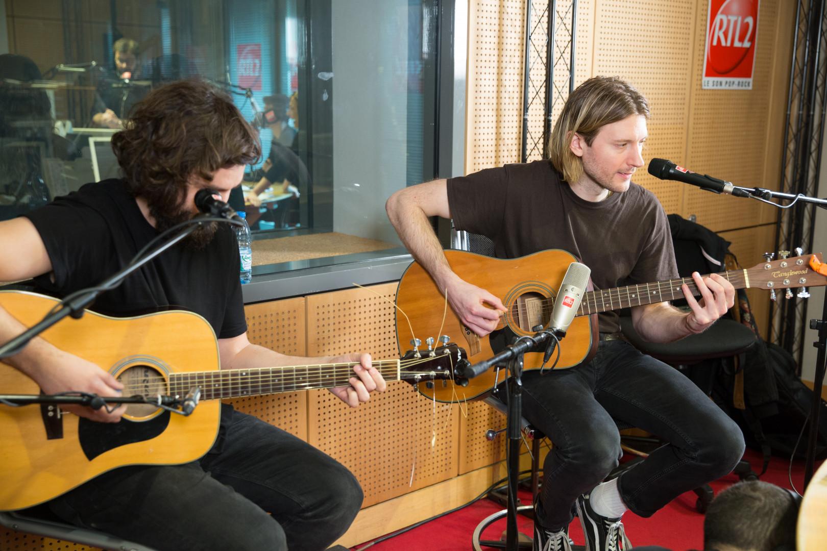Dinosaur Pile-Up en session dans les studios de RTL2
