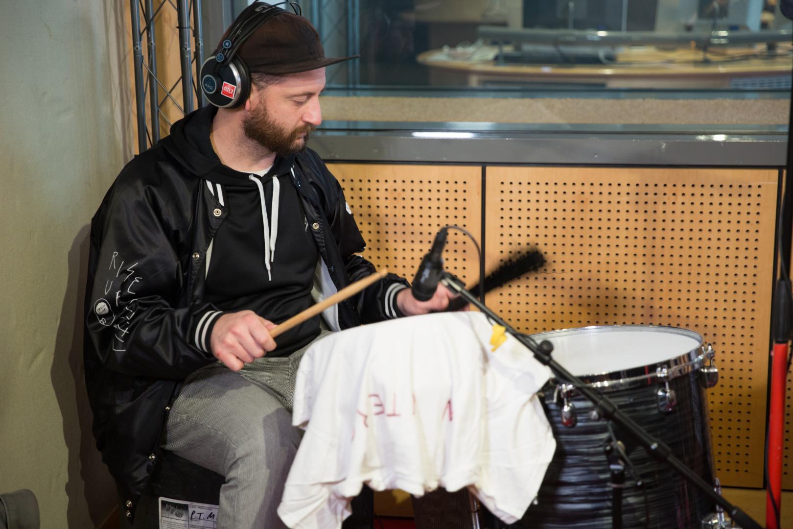 Jason Sechrist  de Portugal. The Man en session acoustique pour RTL2
