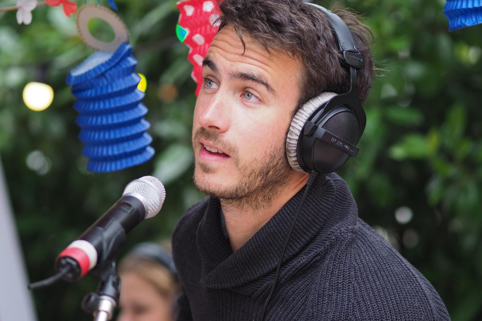 Florent Dasque de Boulevard des Airs en interview lors de la dernière de la saison du Double Expreso