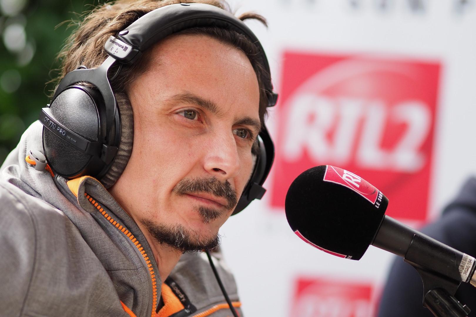 Arnaud Tsamere lors de la dernière de la saison du Double Expresso