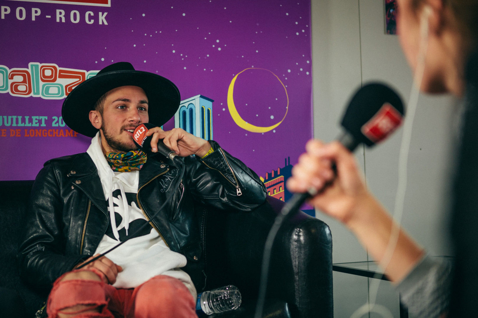 La Femme en interview dans le studio RTL2 lors de Lollapalooza Paris