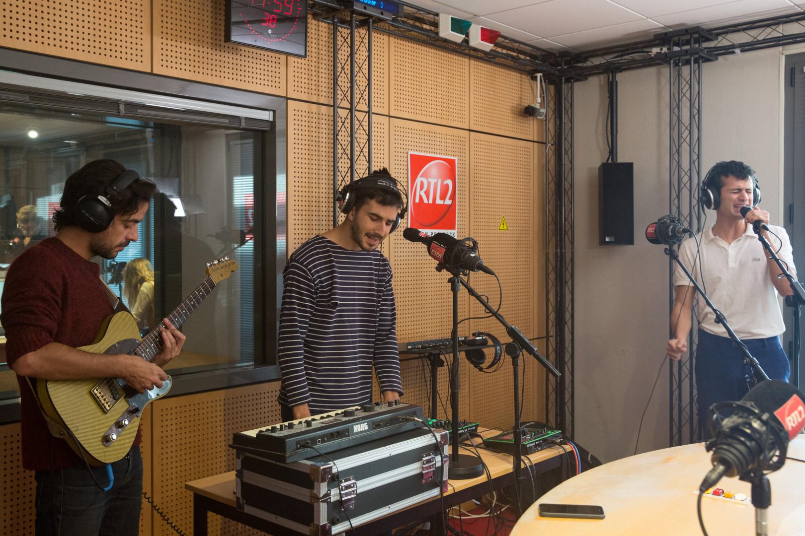 BB Brunes en session acoustique dans les studios de RTL2