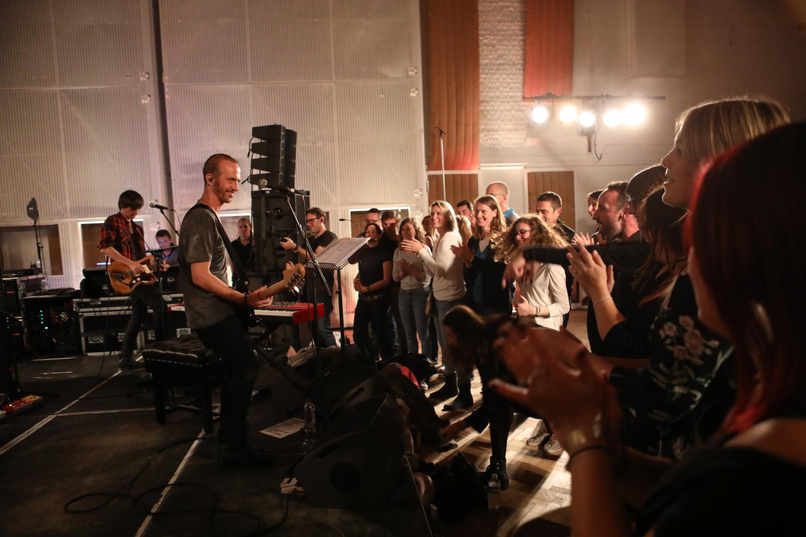 Calogero en Concert Très Très Privé RTL2 dans les studios d'Abbey Road