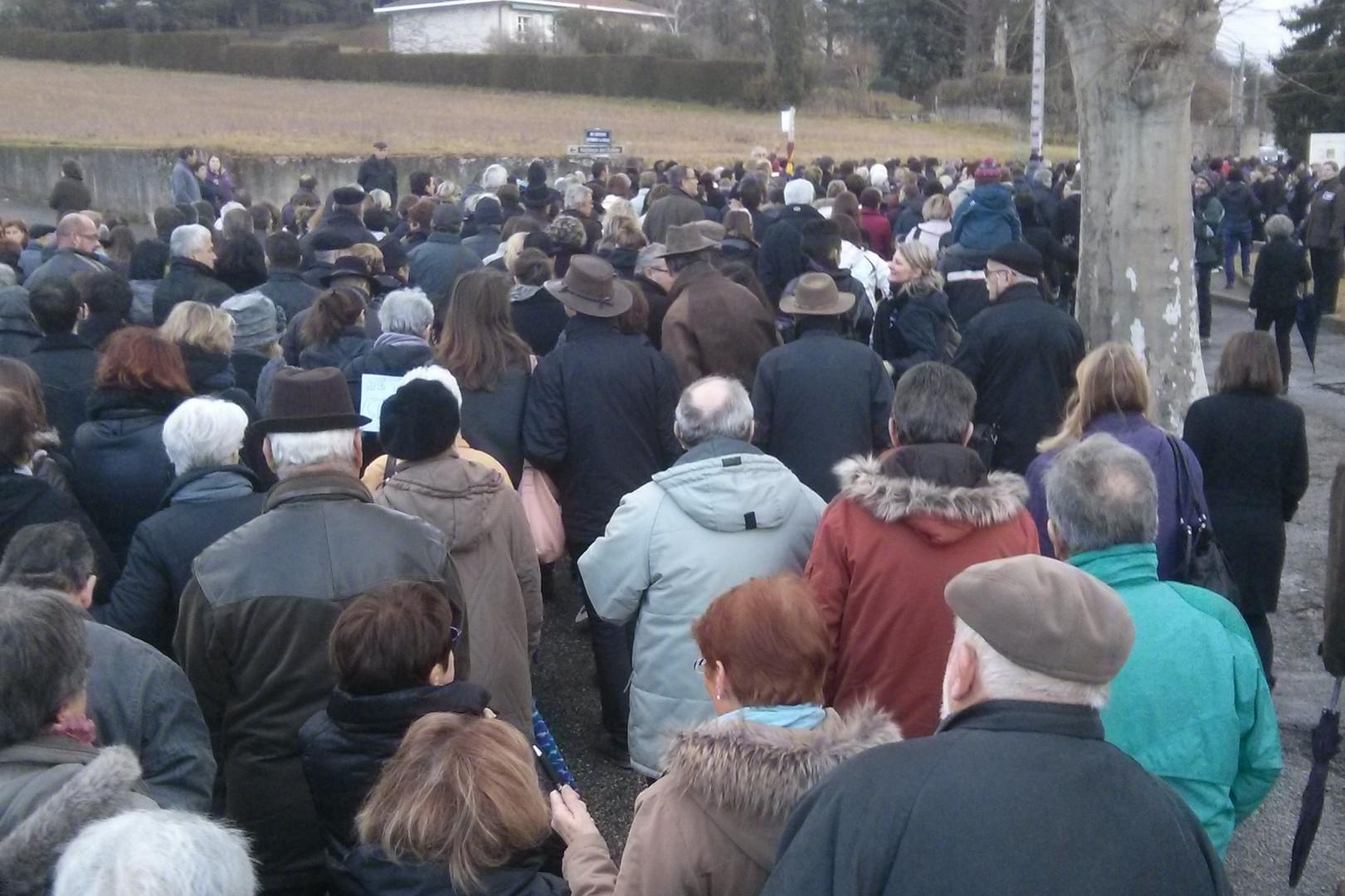Marche républicaine à Saint Donat sur L'Herbasse (26)