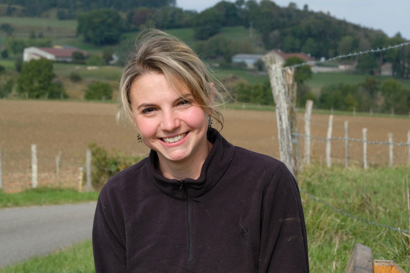 Nathalie, 27 ans, est éleveuse de vaches et de chèvres pour le fromage en Bourgogne-Franche Comté