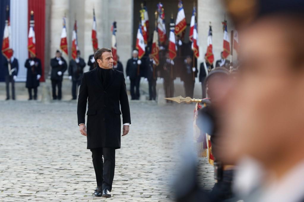 Emmanuel Macron aux Invalides pour rendre hommage aux 13 soldats tués au Mali le 25 novembre 2019.