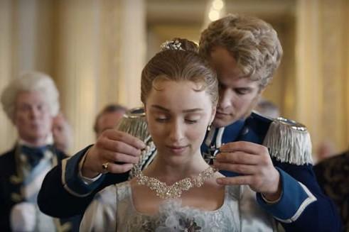 """Le Prince Friedrich est joué par Freddie Stroma (vu dans """"Harry Potter"""" et """"Unreal"""")"""