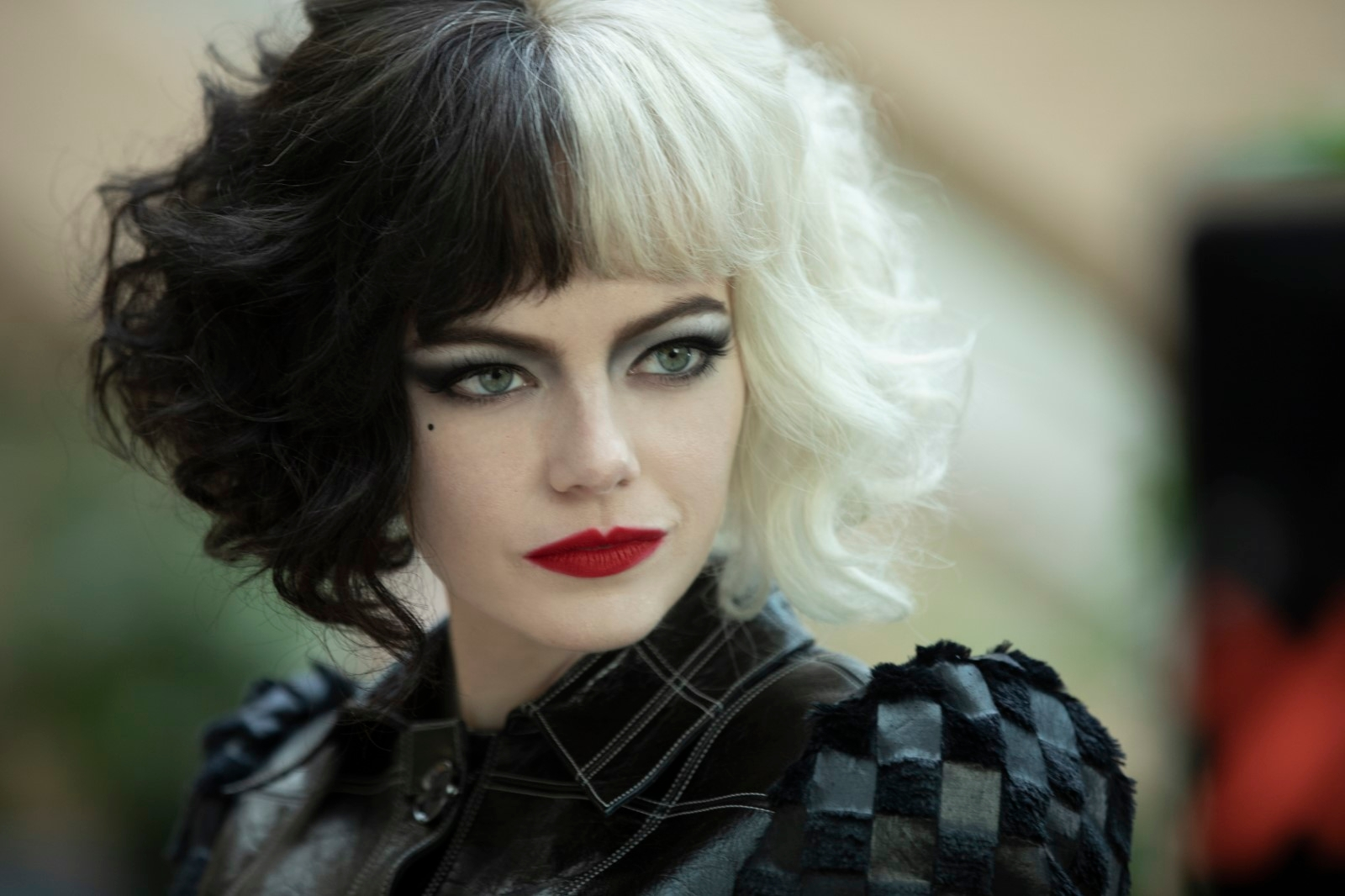 Mais elle serait parfaite pour incarner une James Bond woman ambigüe