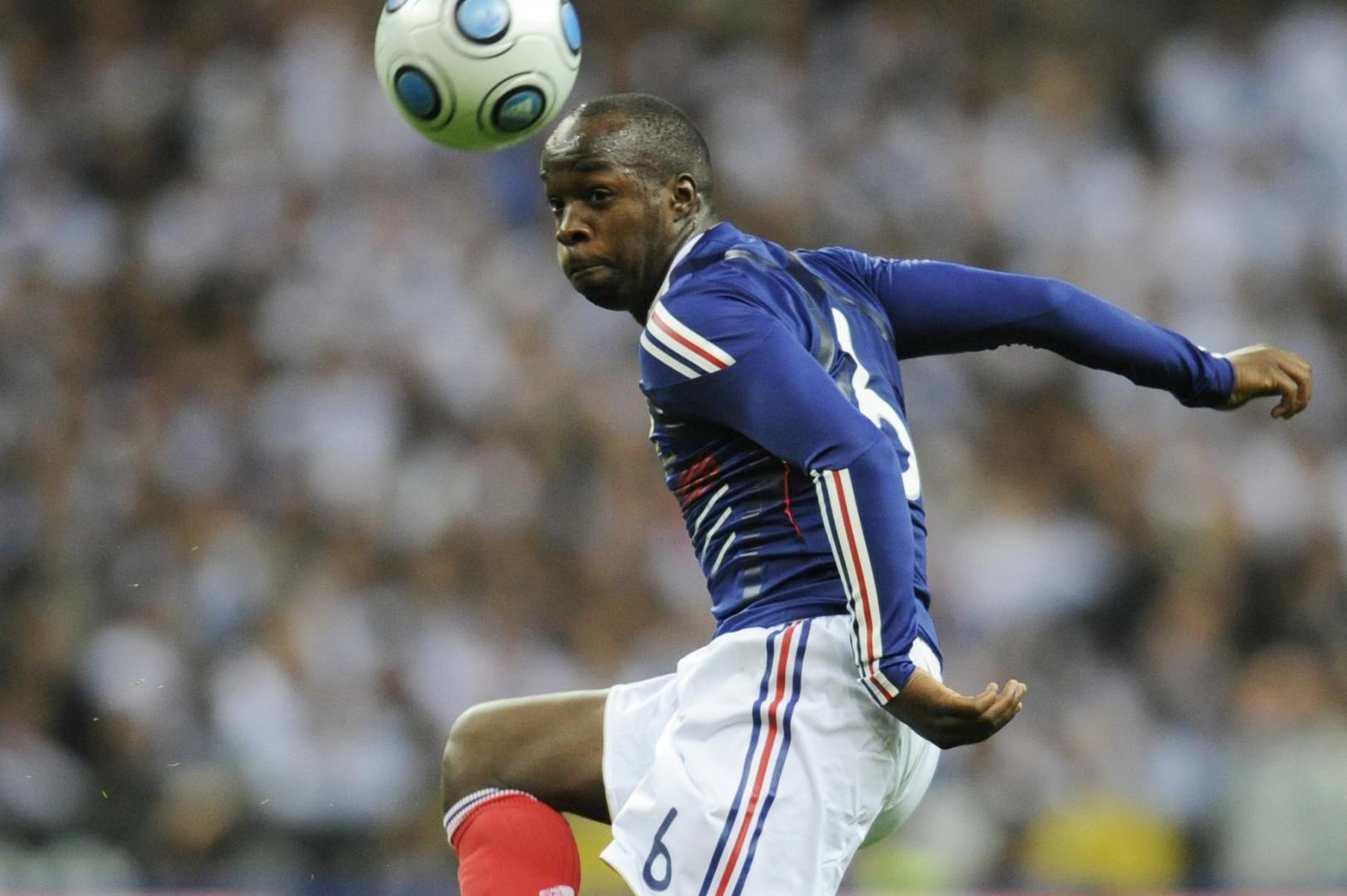 Lassana Diarra sous le maillot de l'équipe de France, le 18 novembre 2009