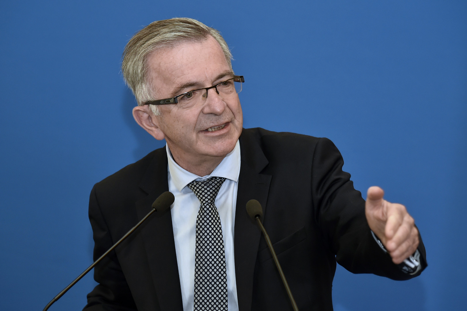 François Bonneau (PS) a réussi à conserver son siège à la tête de la région Centre-Val de Loire
