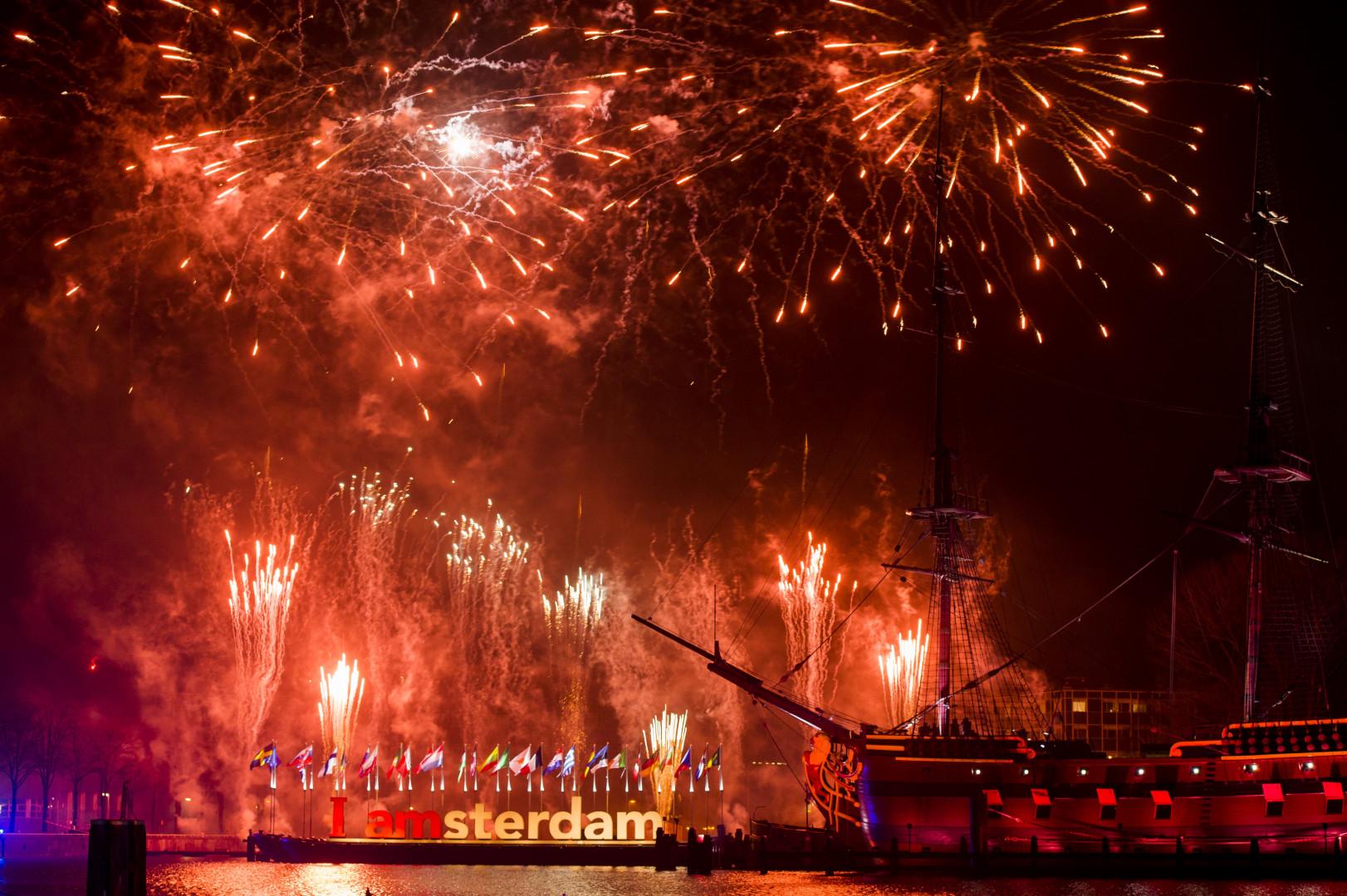 Amsterdam en rouge pour le Nouvel An