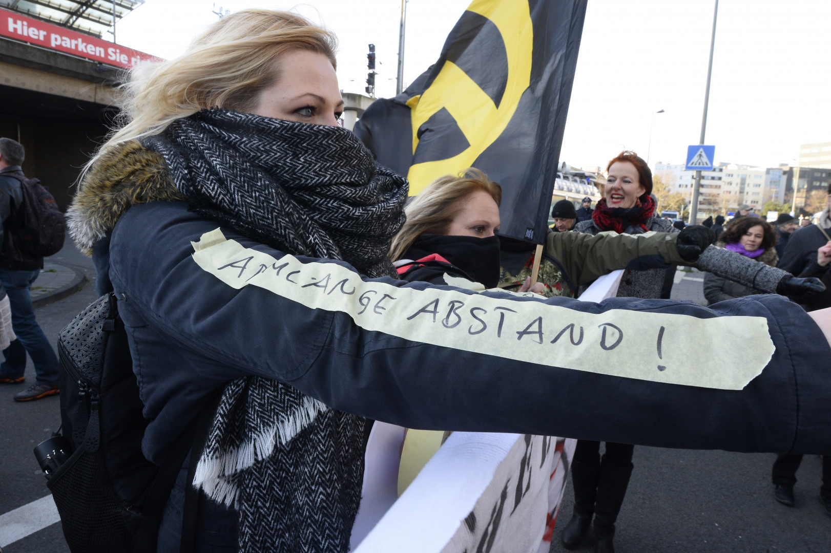 Journée de tensions à Cologne entre les forces de l'ordre et les manifestants de Pediga