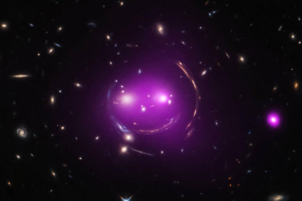 La NASA photographie une galaxie ressemblant à un chat géant dans l'espace