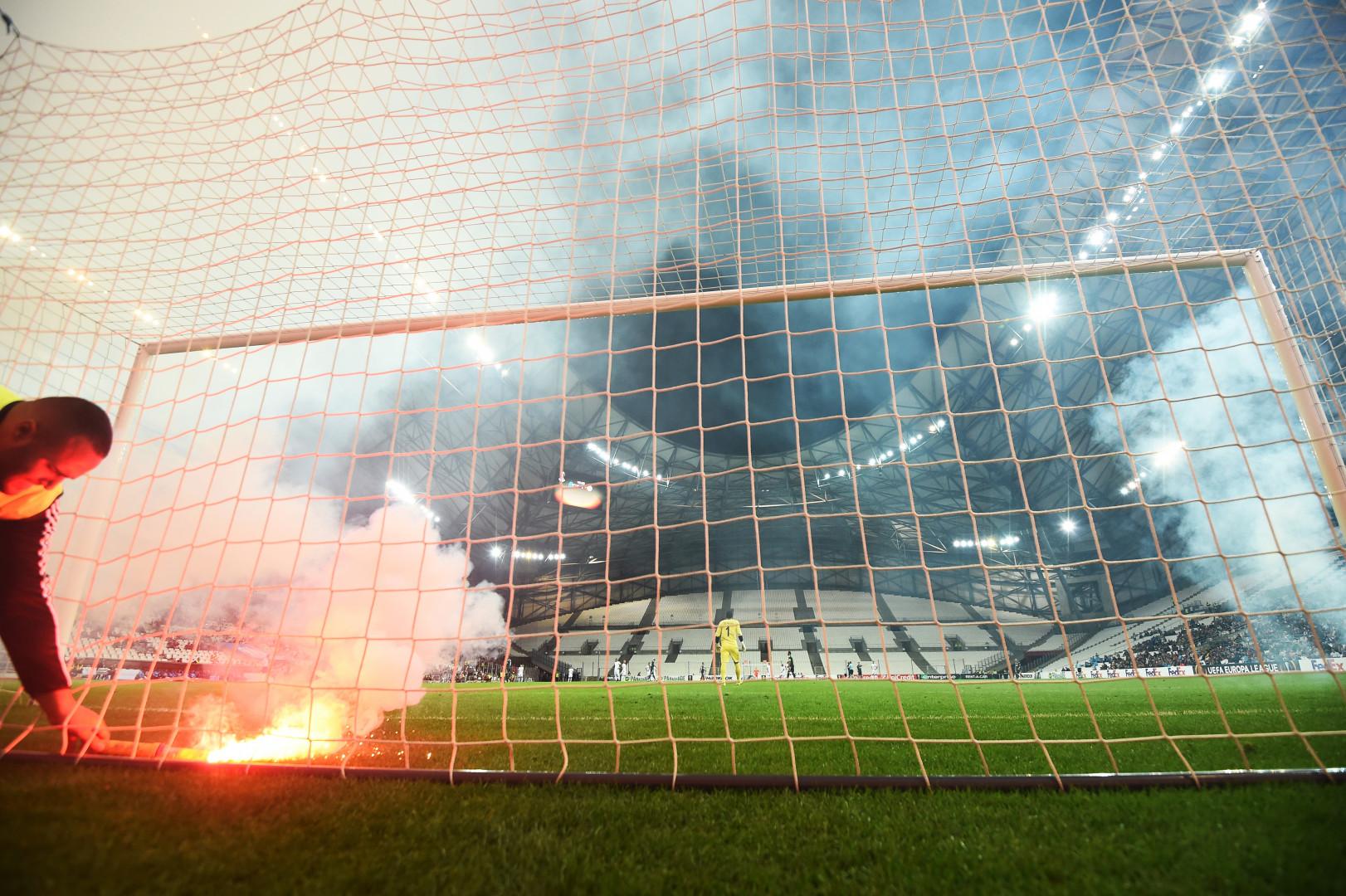Le jet de fumigènes coûtera une lourde amende de l'UEFA au club