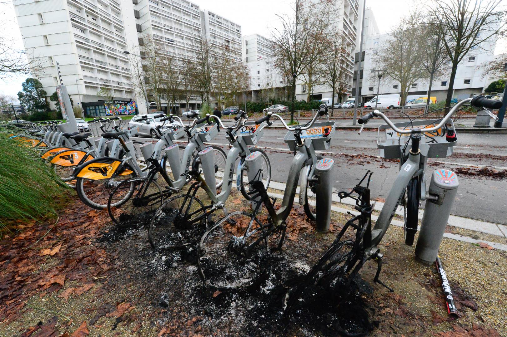 Une station de vélos partagés détruites à Bordeaux le 1er janvier 2021